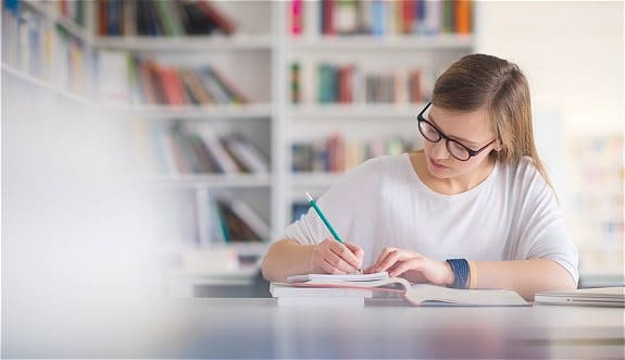 How-High-School-Students-Can-Have-Proper-Study-Habit-1